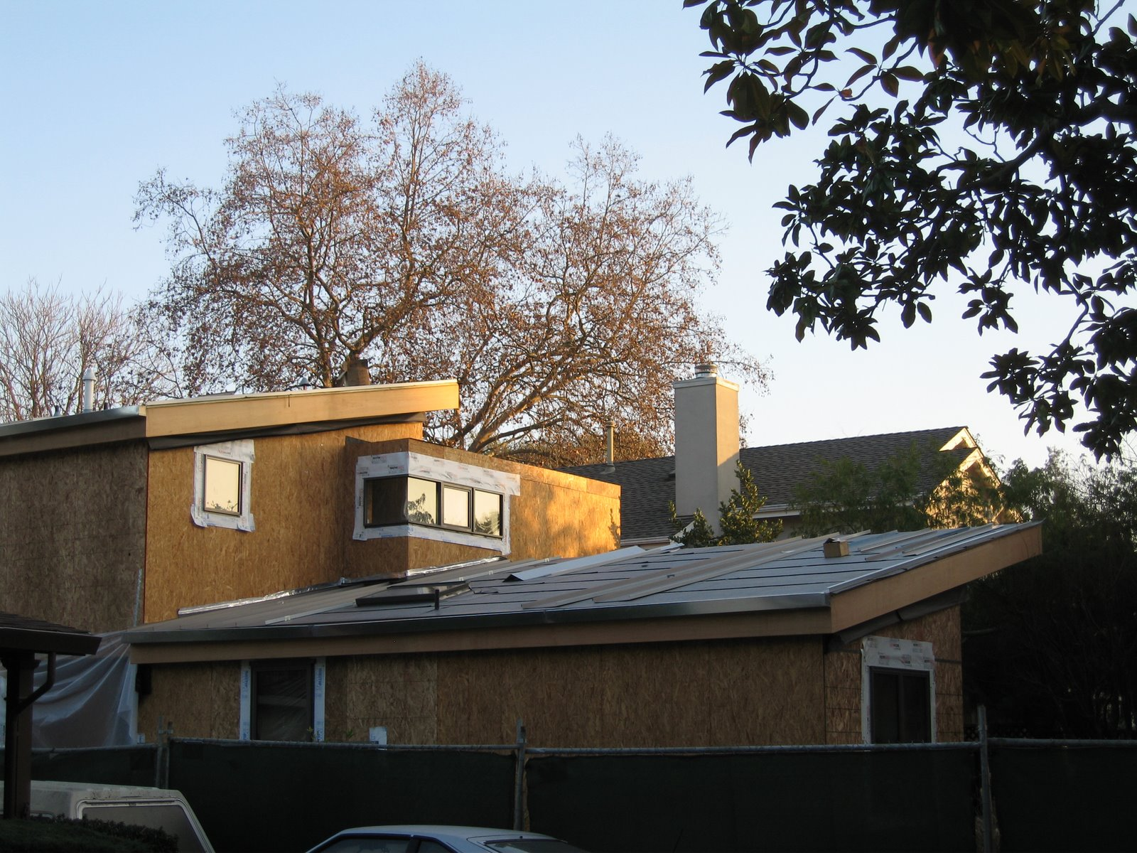 Pope street modern gypcrete metal roof spray insulation for Modern homes with metal roofs